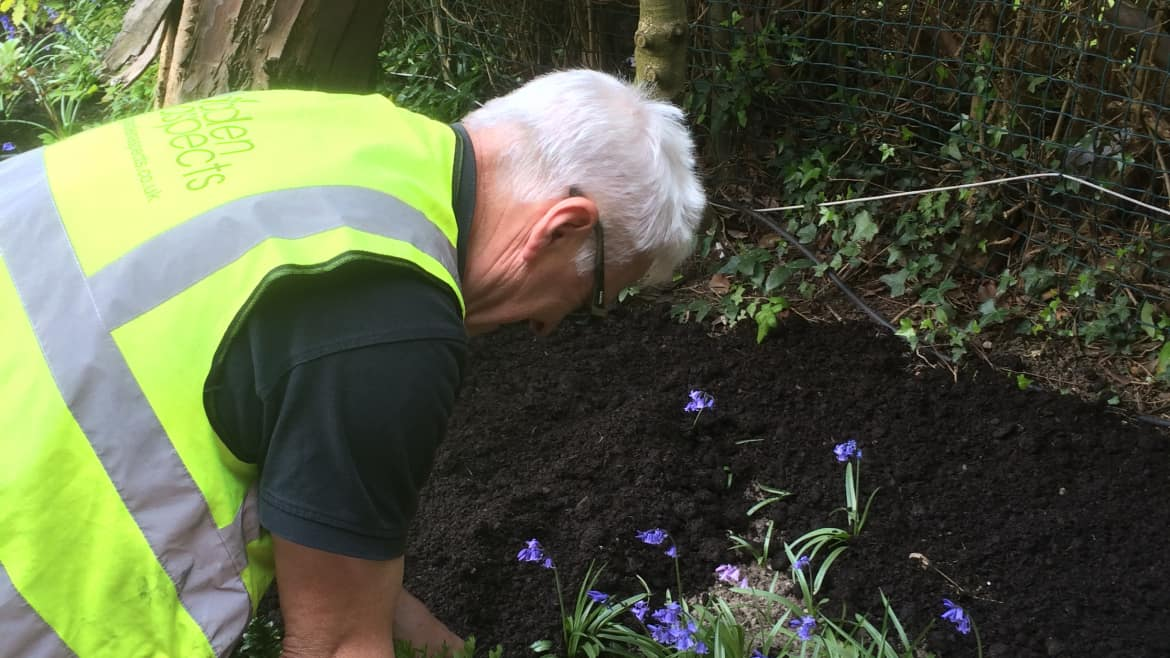 How to get the best deals from your gardener or more importantly when to ask for them